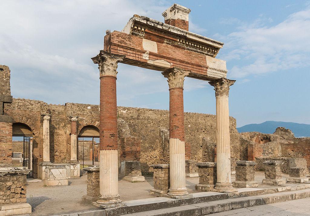 Forum columns, Pompeii
